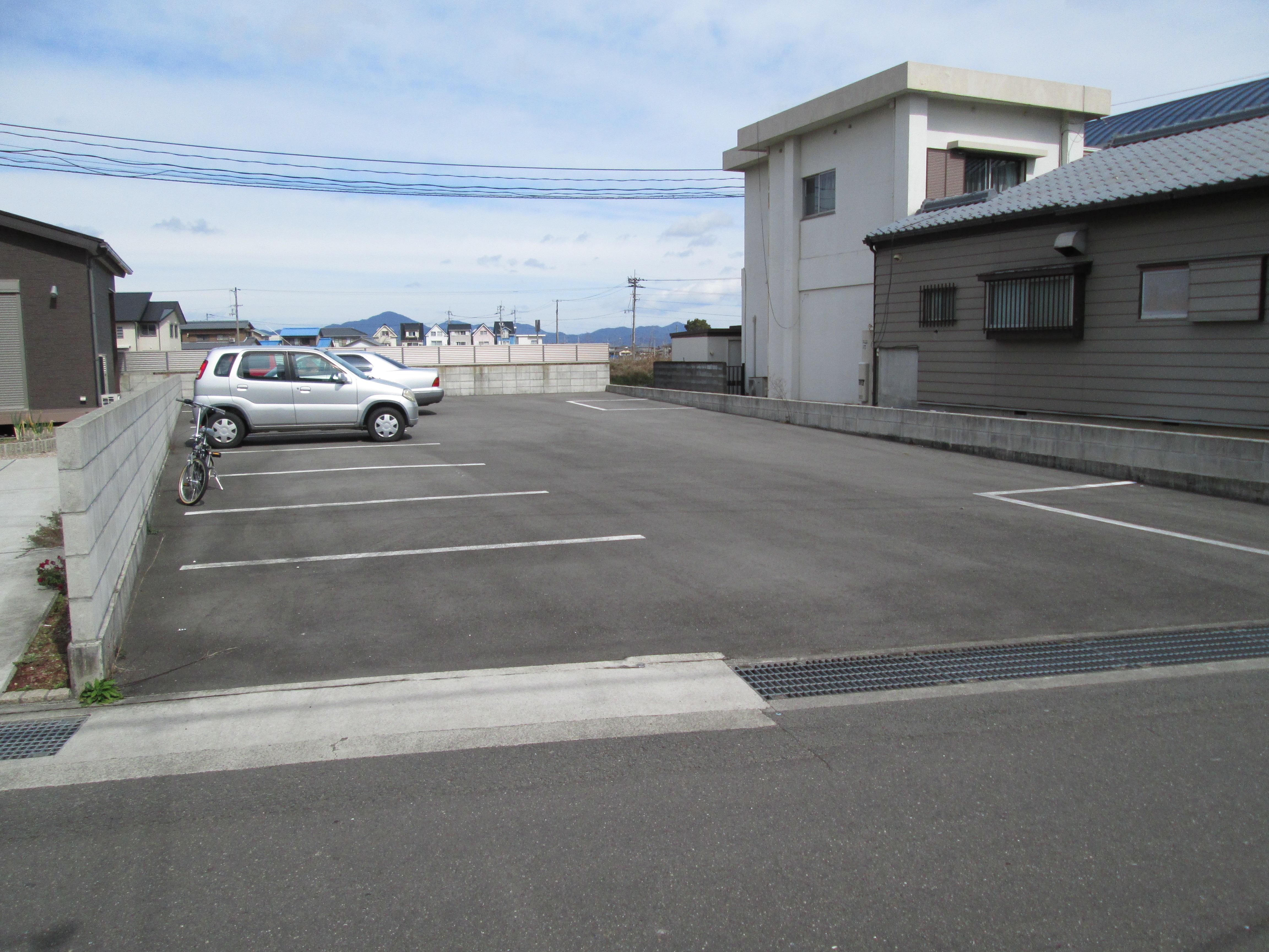 谷月極駐車場②